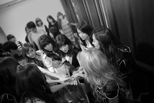 SNSD at Tokyo Dome for SMtown World tour lll on 5th Anniversary