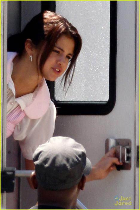 Selena - Behind the Scenes of 'Parental Guidance' - August ...
