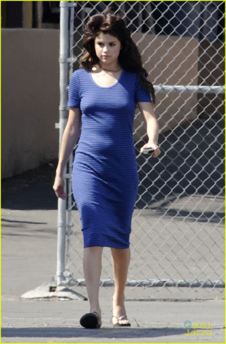 Selena - On the set of 'Parental Guidance' - August 04, 2012