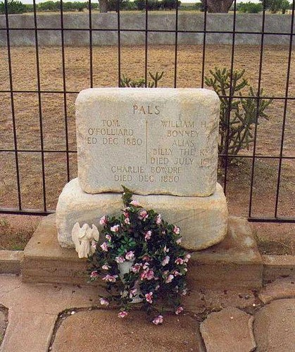 The REAL Billy the Kid's grave in Texas :D