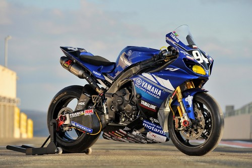 YAMAHA YZF R1 - motorcycles Photo