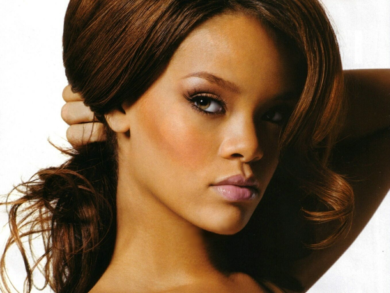 Rihanna rihanna tender... Rihanna