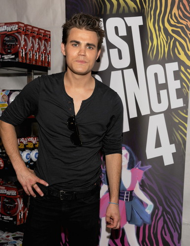 Paul at Teen Choice Awards - Backstage Creations (July 22th, 2012)