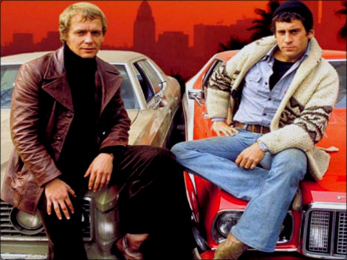 Starsky and Hutch (1975) 壁纸 possibly containing a business suit and a 街, 街道 titled ☆ Starsky & Hutch ☆