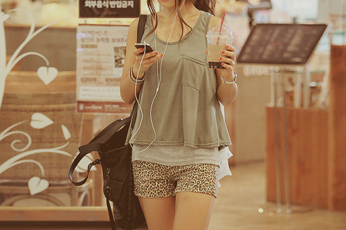 kfashion wallpaper probably with bare legs, a hip boot, and an outerwear titled кƒαѕнιση(รย๓๓๓єг)