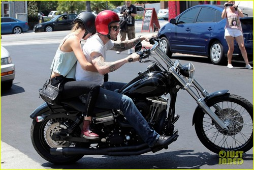 Adam & Behati leave Mustard Seed Cafe in Los Feliz