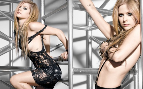 Avril Lavigne kertas dinding with a bustier titled Avril Lavigne