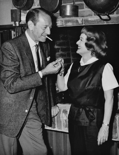 Bette Davis & Paul Henreid