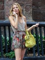 "Blake Lively on set of ""Gossip Girl"" season 6 in NYC August 2 - serena-van-der-woodsen photo"