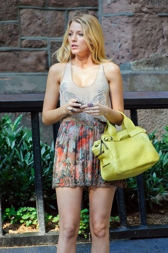 "Blake Lively on set of ""Gossip Girl"" season 6 in NYC August 2"