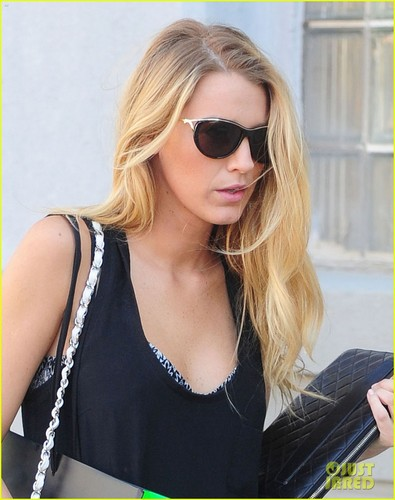 Blake Lively images Blake leaves the Melissa Shoes store ...