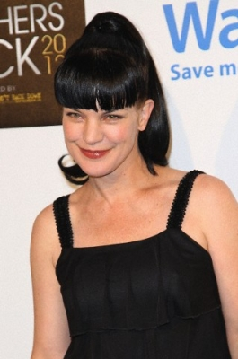 Pauley Perrette wallpaper probably with a bustier, a cocktail dress, and attractiveness entitled CBS' Teacher's Rock Special Live Concert 08/14/2012