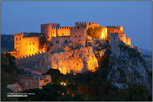 Italy 바탕화면 possibly with a castle, a palace, and a keep entitled Caccamo (Pa)