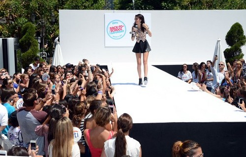 Cher Lloyd کنسرٹ
