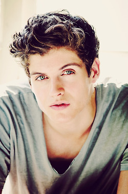 Daniel Sharman wallpaper possibly with a portrait called Daniel Sharman
