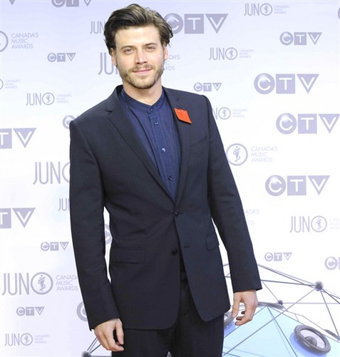 François Arnaud wallpaper containing a business suit, a suit, and a three piece suit called François Arnaud