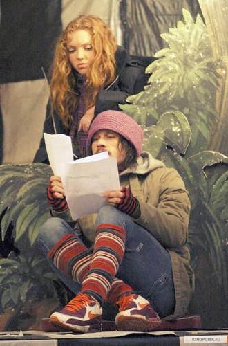 Heath on the set of The Imaginarium of doctor Parnassus