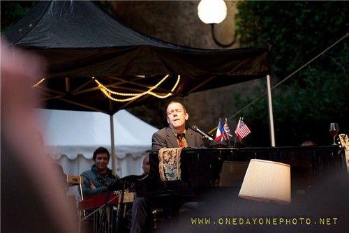 Hugh Laurie and his son Charlie - شراب, کونایک Blues Passions ‬05.07.2012