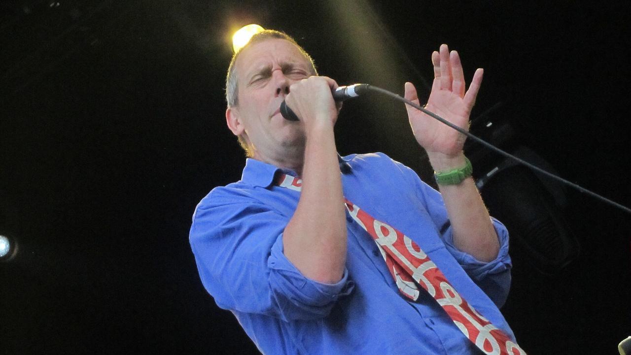Hugh Laurie- buổi hòa nhạc de Spa (francofolies) 18.07.2012