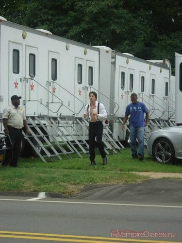 Ian/Damon BTS in 4x04 (CLEARER PICTURE)