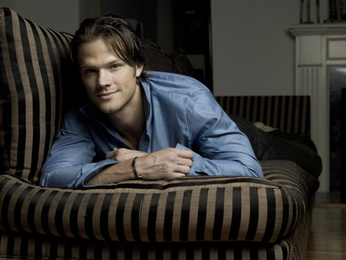 Jared Padalecki wallpaper probably containing a couch, a living room, and a family room entitled Jared