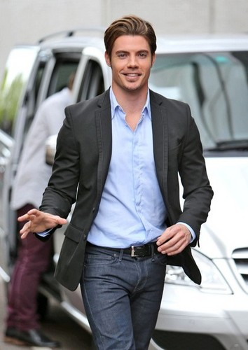 Josh Henderson arriving at London Studios