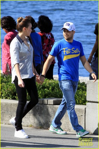 Katie Cassidy & Jerry Ferrara: New Couple Alert! (August 12)