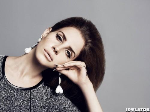 Lana Del Rey mga model For H&M