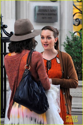 Leighton on the set of Gossip Girl on Friday (August 17) in New York City's Upper East Side