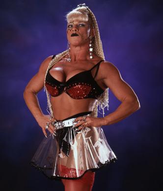 WWE Divas achtergrond called Luna Vachon Photoshoot Flashback