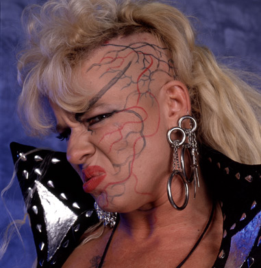 Diva WWE kertas dinding entitled Luna Vachon Photoshoot Flashback