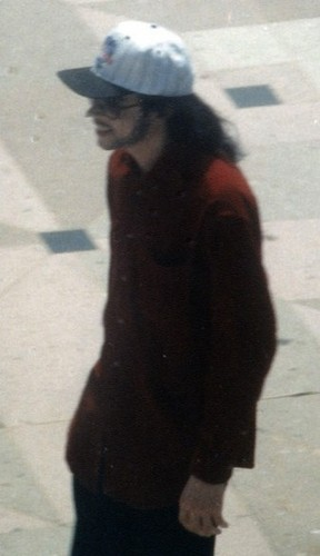 Michael Jackson kertas dinding containing a jalan and a business suit titled MJ ALSO LOOKS HANDSOME WITH A BEARD!!!