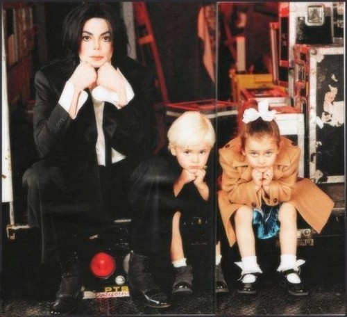 Michael With His Two Children, Prince And Paris