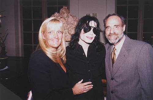 Michael With saat Wife, Debbie, And A Friend Of Theirs
