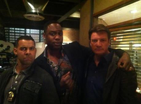 Nathan Fillion, Seamus Dever, and Jon Huertas Get Silly Behind the Scenes of istana, castle Season 5