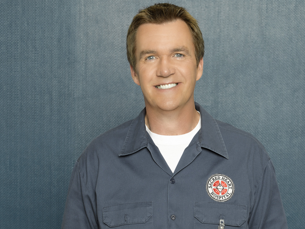 The 57-year old son of father (?) and mother(?), 188 cm tall Neil Flynn in 2018 photo