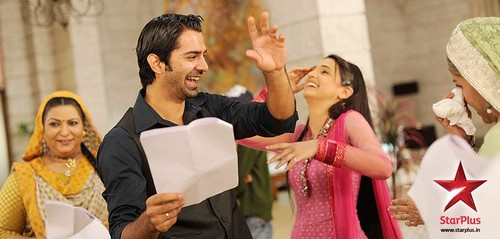 On the set of IPKKND - barun-sobti Photo