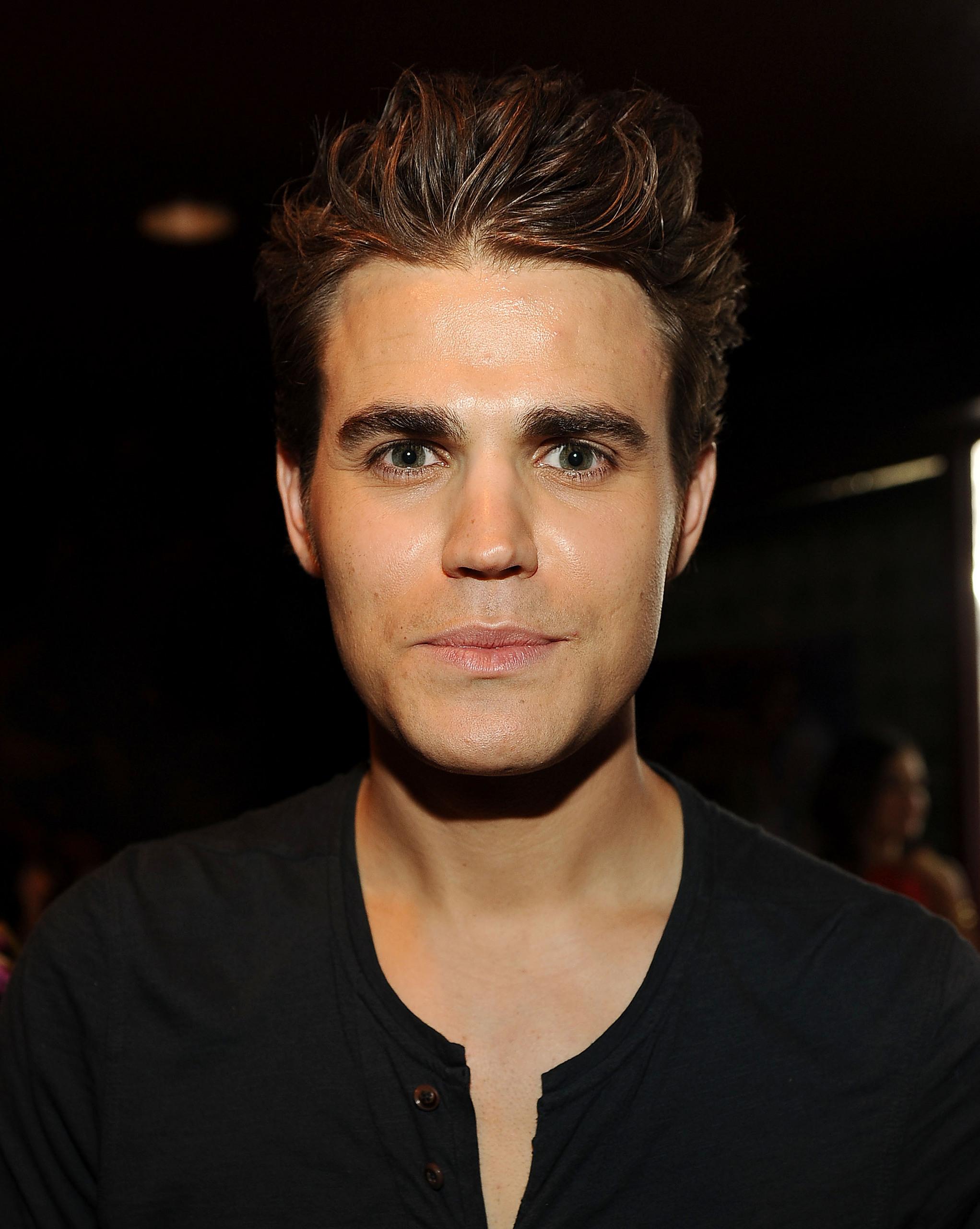 Paul at Teen Choice Awards - Green Room (July 22th, 2012)