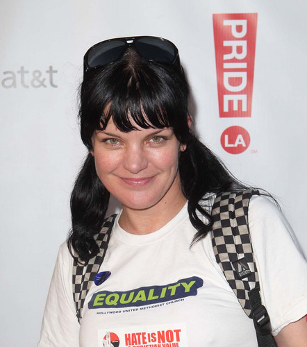 Pauley Perrette - 2012 LA Gay Pride 일 2 Boo2 Bullying Lounge (Jun 10, 2012)