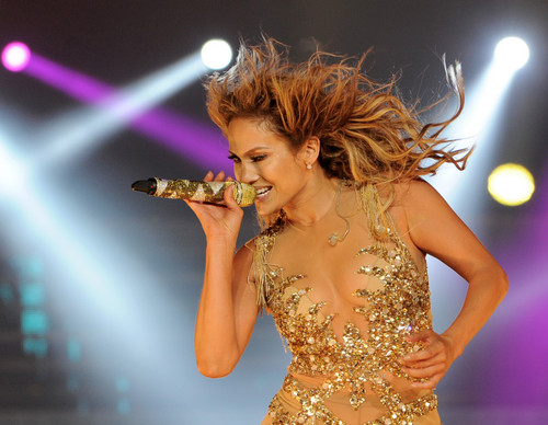 Jennifer Lopez wallpaper with a concert titled Performs On Stage At Staples Center In Los Angeles [16 August 2012]