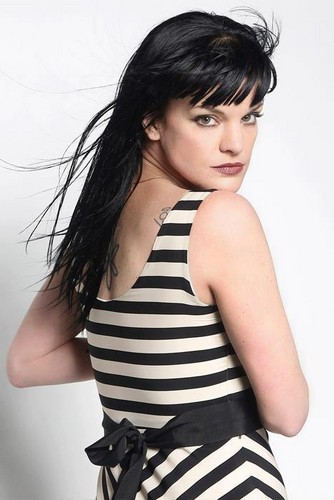 pauley perrette wallpaper called Photoshoot Viva Magazine March 2012