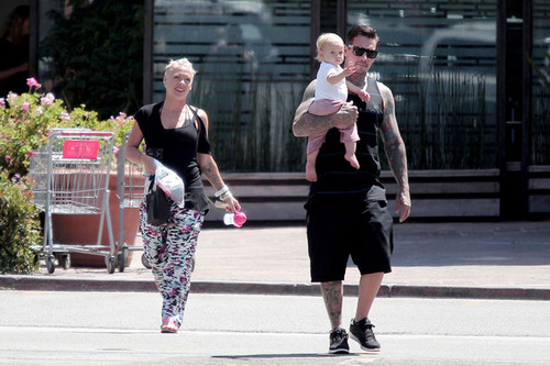 roze and Family Out to Sushi [August 10, 2012]