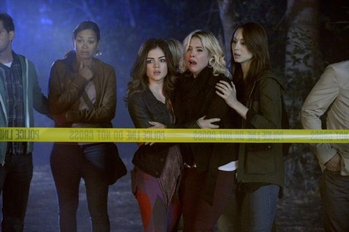 "Pretty Little Liars 3x12 ""The Lady Killer"""