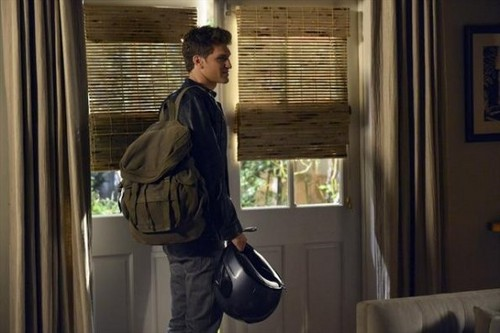 Pretty Little Liars - Episode 3.12 - The Lady Killer - Promotional fotografia