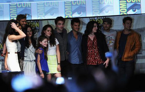 Renesmee- Mackenzi Foy- Comic con, 2012, Breaking Dawn part 2