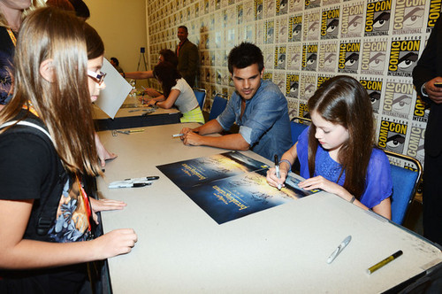 Renesmee- Mackenzi Foy- Comic con, 2012, Breaking Dawn part 2
