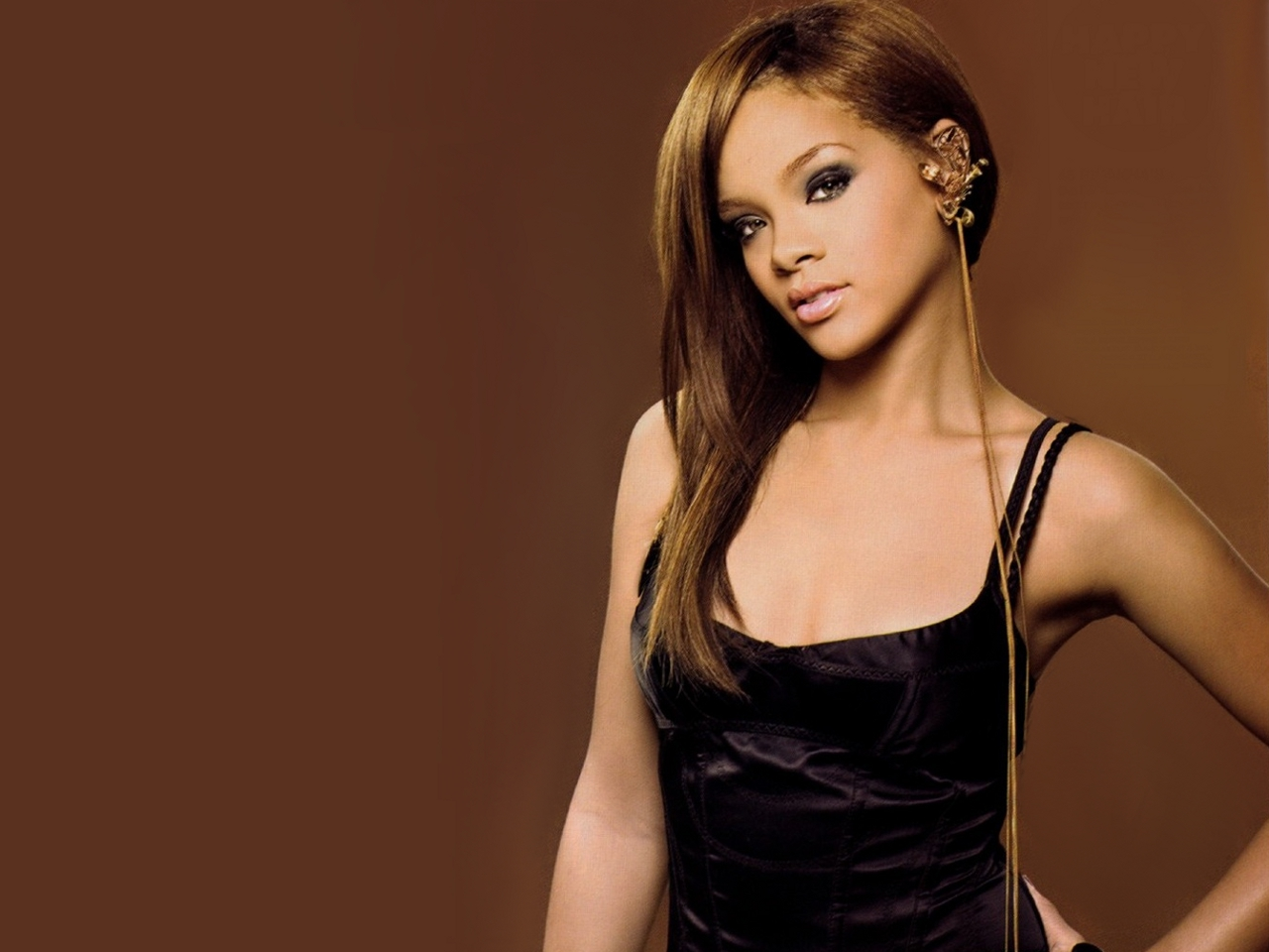 Rihanna Rihanna Sophisticate's Black Hair magazine