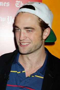 Robert in NY - robert-pattinson Photo