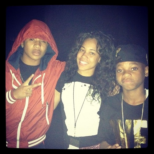 Roc and Lil Niqo and a پرستار