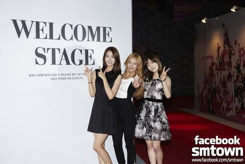 SNSD@ S.M.A.R.T exhibition